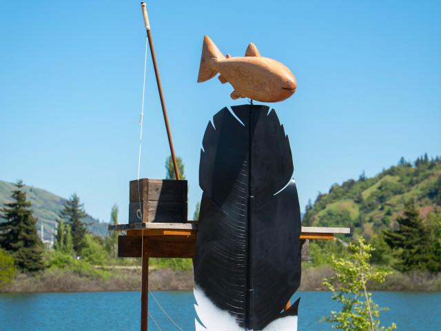 Hood River sculpture honors Celilo Falls