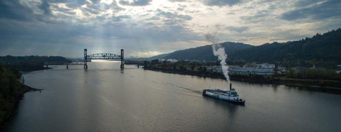 Steamer Portland Cruising the Williamette, Oct 2015